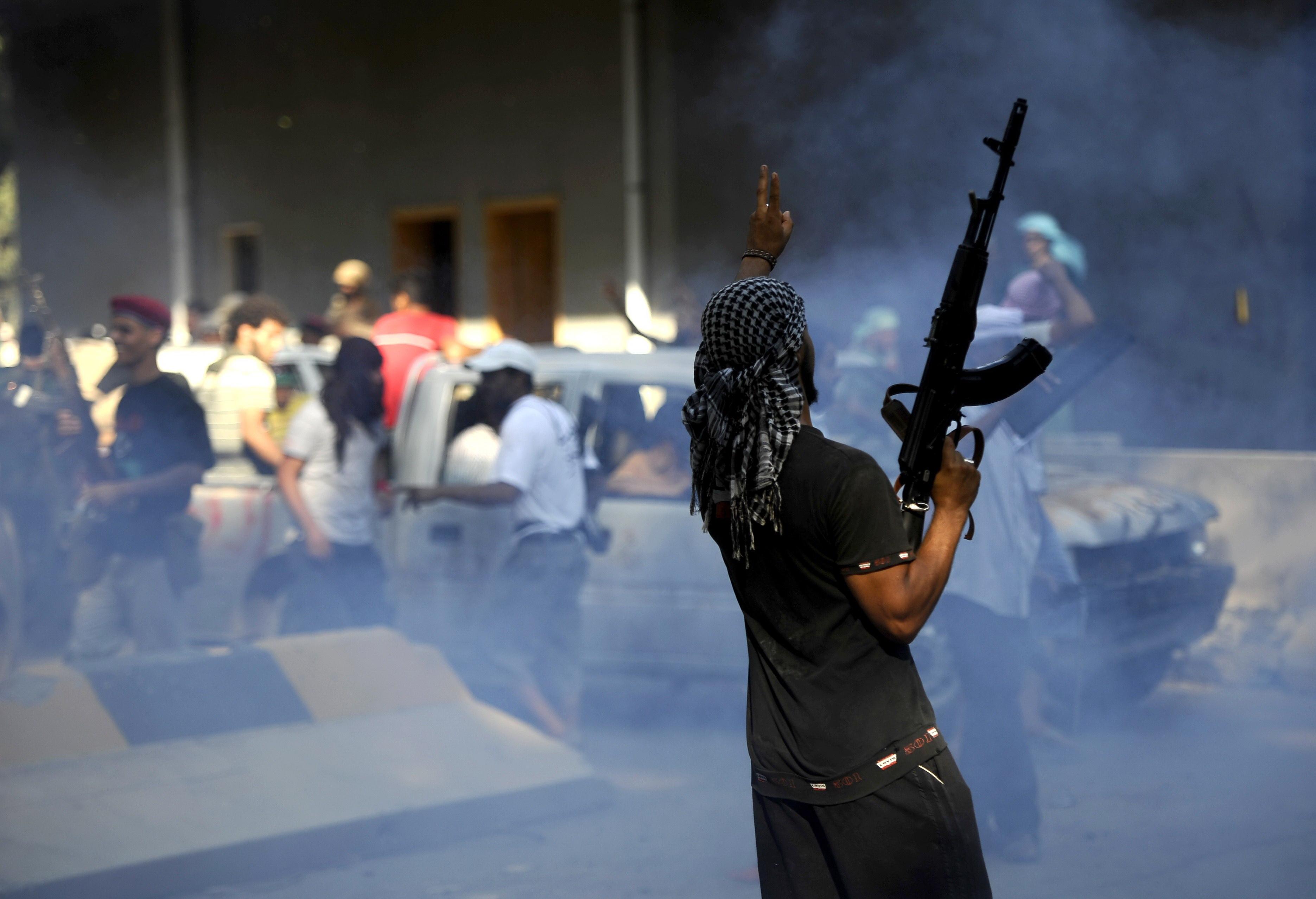 Rebelii dau ultima batalie pentru Tripoli. Obama: