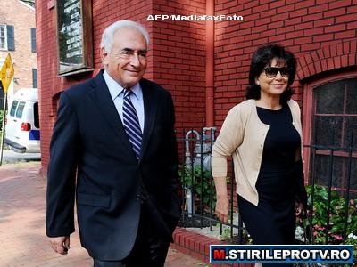 Dominique Strauss Kahn s-a intors la FMI in aplauzele tuturor fostilor colegi