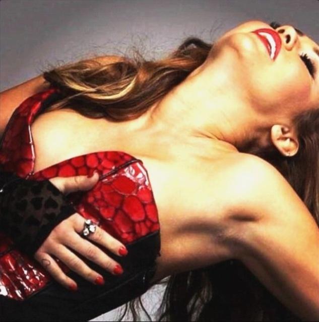 VIDEO. Propunere indecenta pentru idolul adolescentelor: 1 milion de dolari, pentru un clip erotic