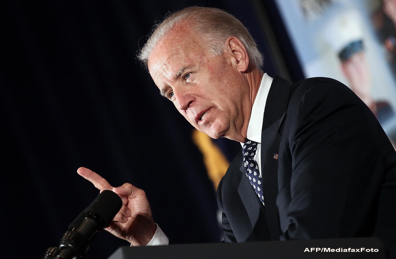Joe Biden il acuza pe Mitt Romney ca vrea sa puna