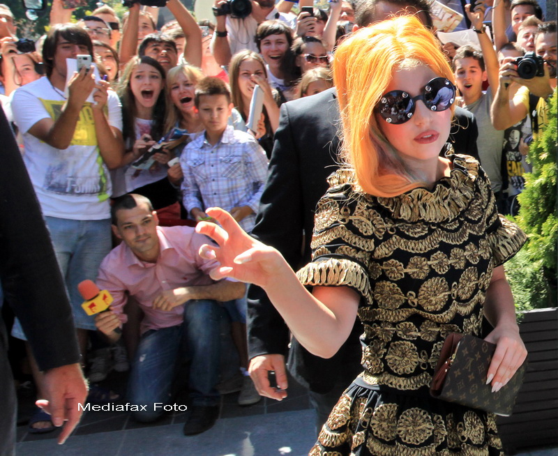 Lady Gaga, pe Twitter: