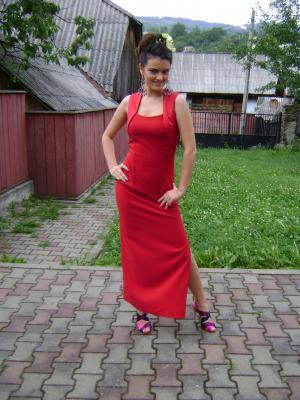 Romanca Elena Kuji a renuntat la Miss Universe ca sa studieze in Italia si la Sorbona