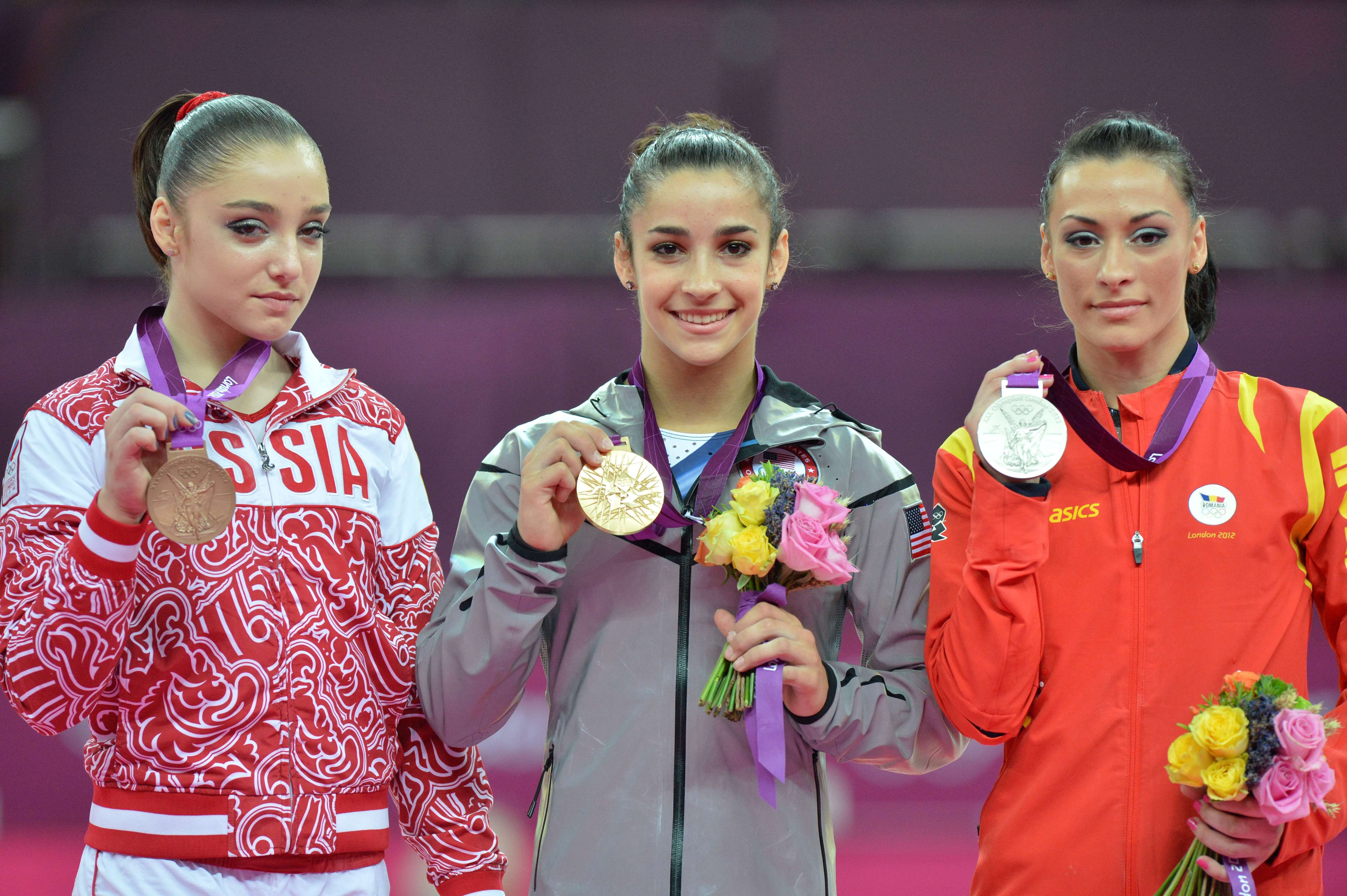 Alexandra Raisman si-a indoit medalia de aur castigata in fata Catalinei Ponor