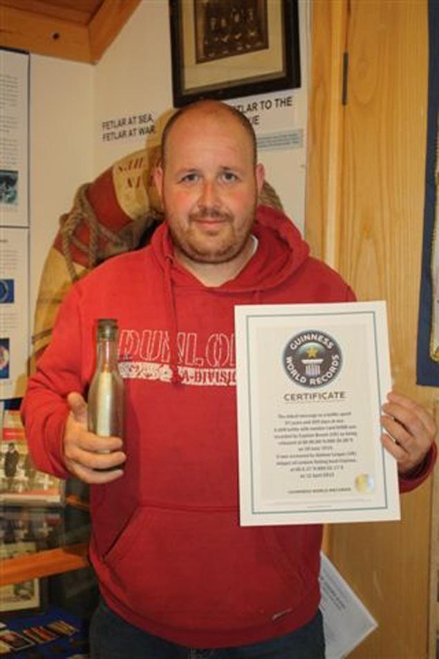 Un scotian a gasit un mesaj in sticla vechi de 98 de ani, stabilind un nou record mondial. FOTO