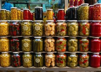 Ce contine camara perfecta pentru sanatate in 2013: fructe si legume uscate, dar si muraturi in sare