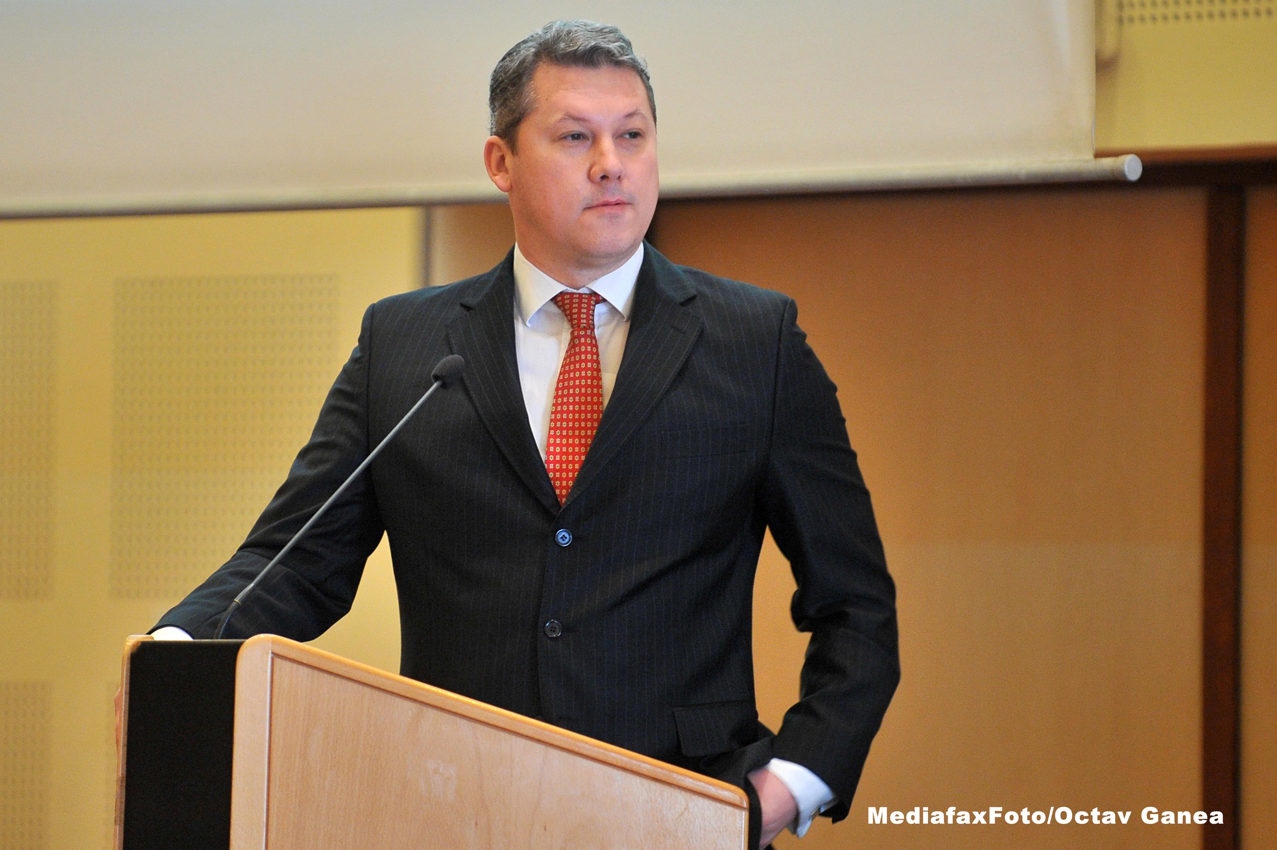 Catalin Predoiu se inscrie in cursa interna a PDL pentru nominalizarea la alegerile prezidentiale