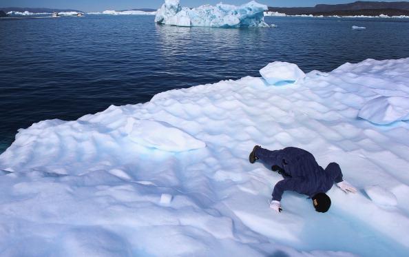 Groenlanda va inverzi complet pana in 2100 din cauza schimbarilor climatice, sustin cercetatorii