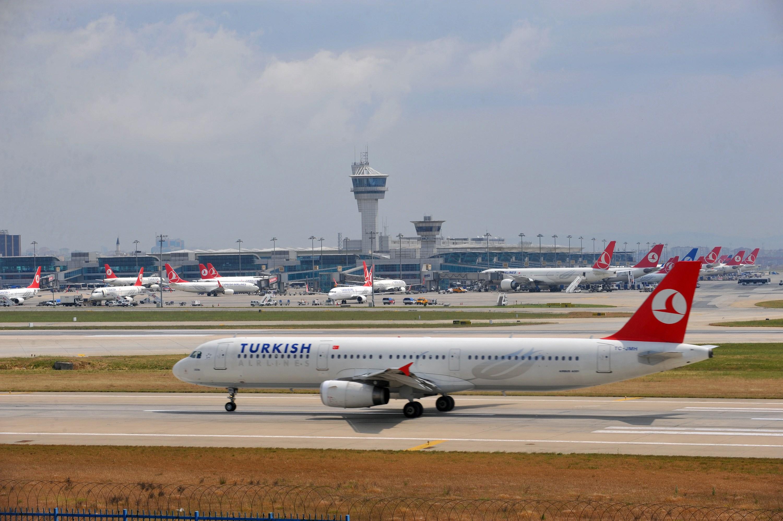 Un avion Turkish Airlines a efectuat o aterizare de urgenta la Sofia din cauza unui calculator suspect aflat la bord