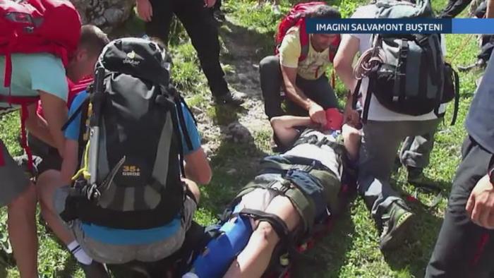 Doi tineri au fost la un pas de moarte in Muntii Bucegi. Cum a decurs misiunea de salvare a jandarmilor montani