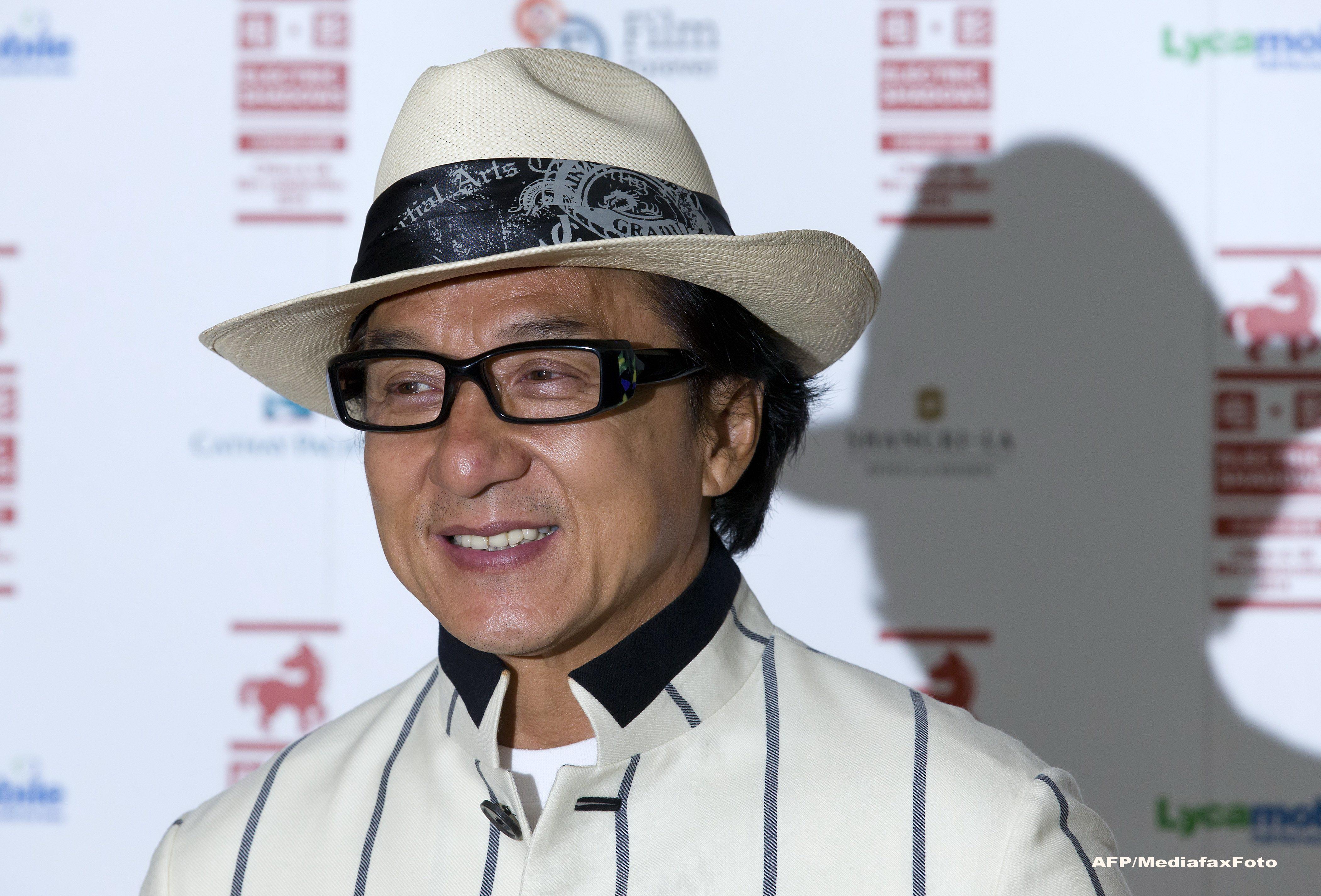 Jackie Chan neaga ca si-a fi anuntat retragerea din lumea filmului.