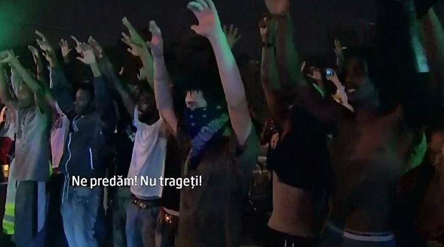 Tanarul de culoare mort in Statele Unite a fost impuscat de 6 ori, arata autopsia. Revoltele in Ferguson continua