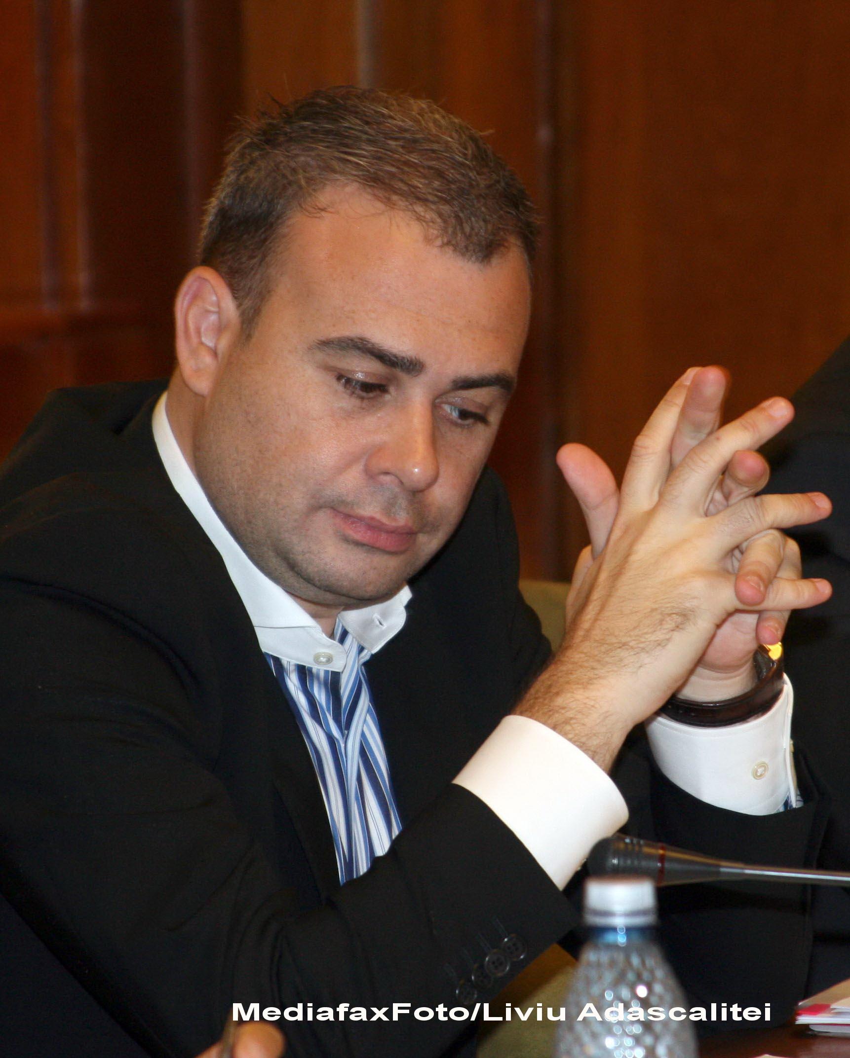 Darius Valcov a anuntat ca revolutionarii vor primi indemnizatii si in urmatorii doi ani. Ministrul va corecta