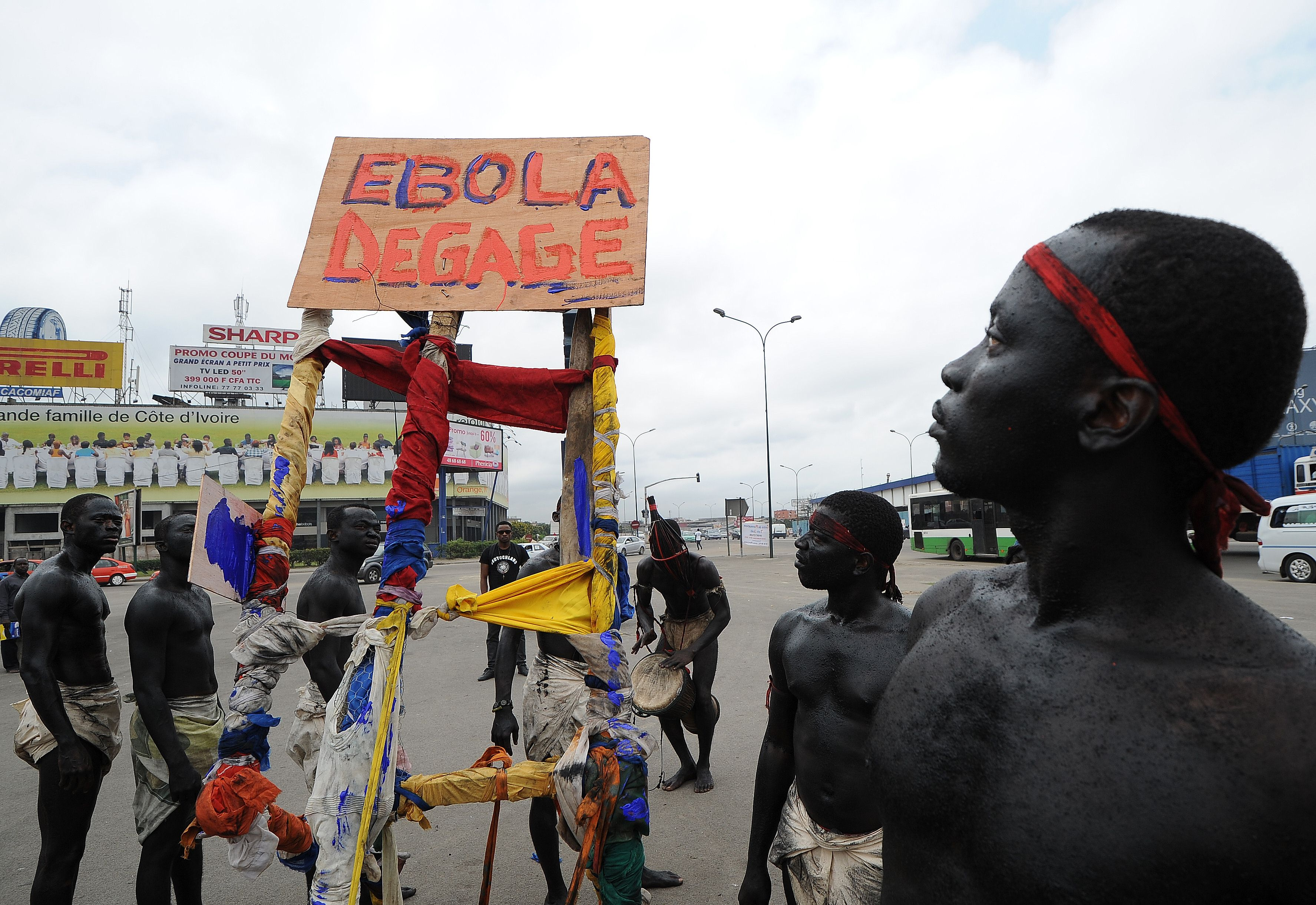 SUA vor trimite circa 3.000 de militari in Africa de Vest in cadrul luptei impotrivaEbola