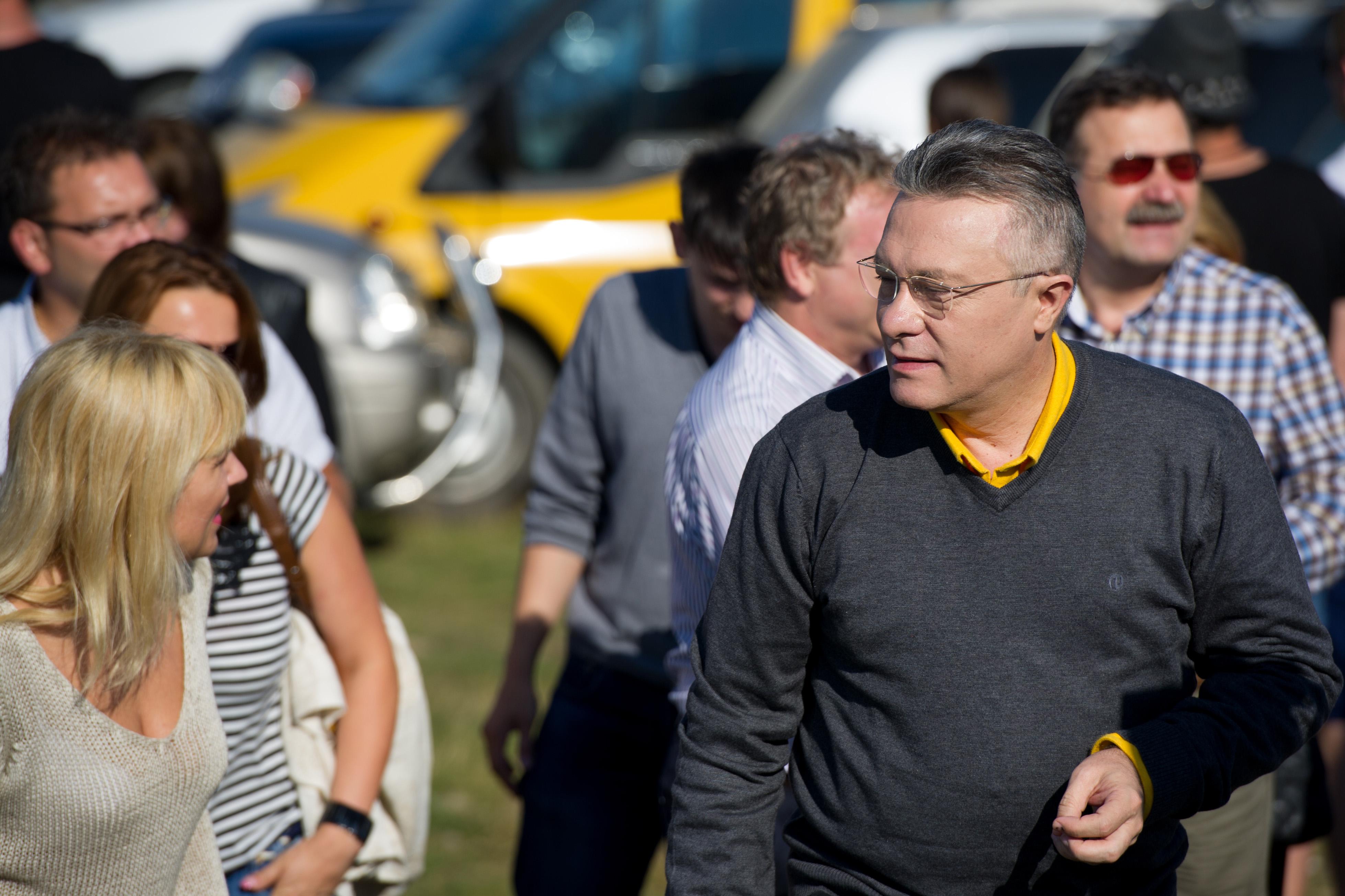 Cristian Diaconescu renunta la candidatura si o sustine pe Elena Udrea la Presedintie. Reactia liderului PMP