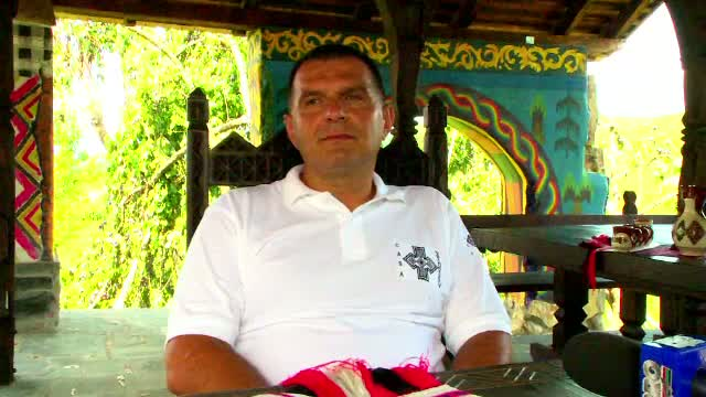 Profesorul care restaureaza case din Maramures.