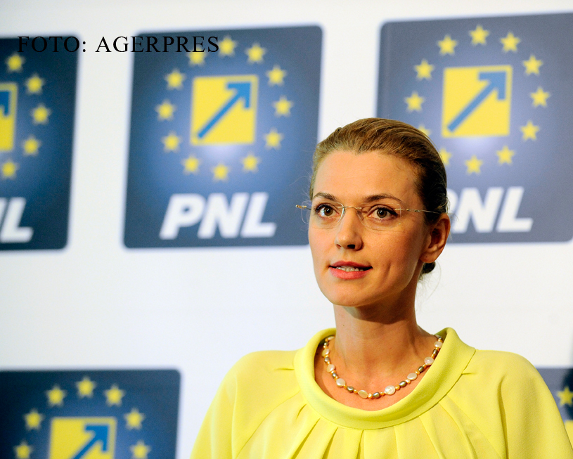 PNL va depune luni o motiune de cenzura impotriva Guvernului Ponta. Alina Gorghiu invoca