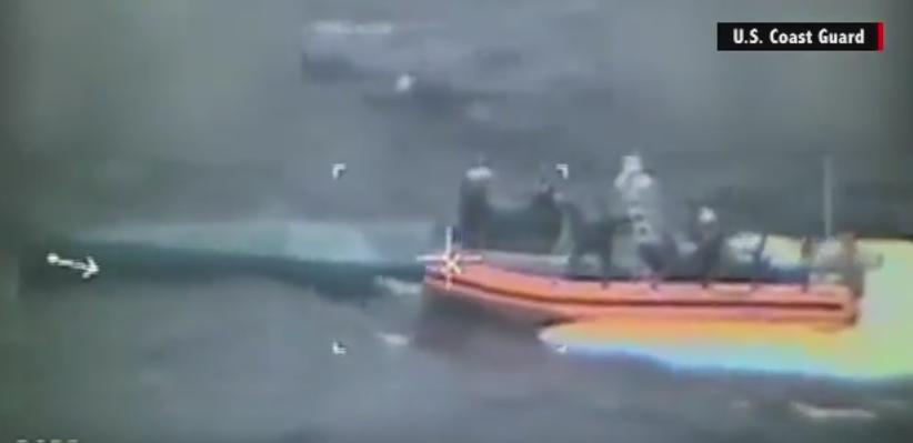 Un minisubmarin incarcat cu 7 tone de cocaina, interceptat in Oceanul Pacific . Captura valoreaza 181 milioane de dolari
