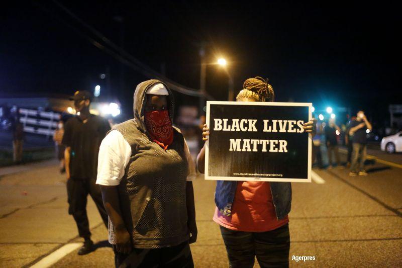 CNN: Rusia a cumpărat, pe Facebook, reclame cu privire la violențele din Ferguson și Baltimore