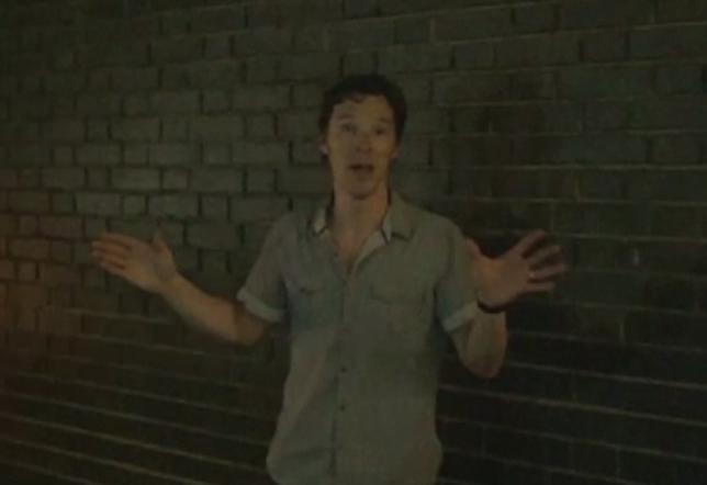 Actorul Benedict Cumberbatch si-a mustrat fanii care l-au filmat in timp ce juca