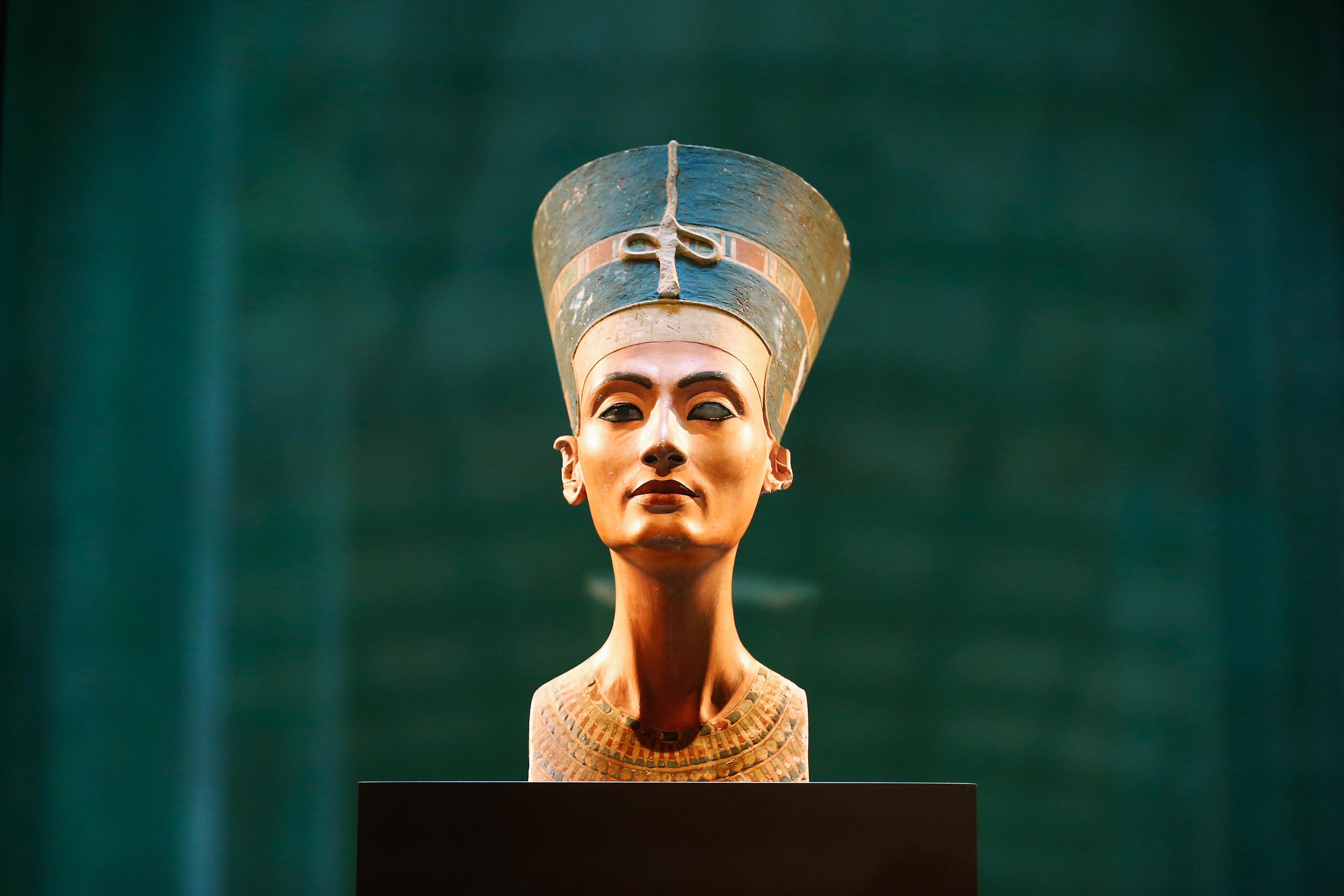 Unul dintre cele mai mari mistere ale lumii: mormantul reginei egiptene Nefertiti ar fi fost descoperit. Teoria unui arheolog