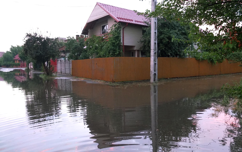 COD GALBEN de inundatii pe rauri din sapte judete din sudul si sud-estul tarii. HARTA zonelor afectate