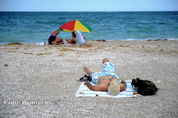 Descoperiri macabre pe litoral. Cadavrele a doi barbati au fost aduse la tarm, in statiunile Costinesti si Olimp
