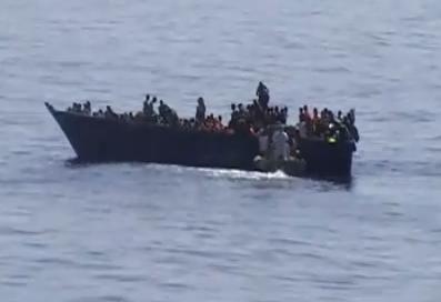 3.000 de imigranti, blocati in Marea Mediterana. Paza de coasta italiana intervine dupa primirea unor mesaje SOS