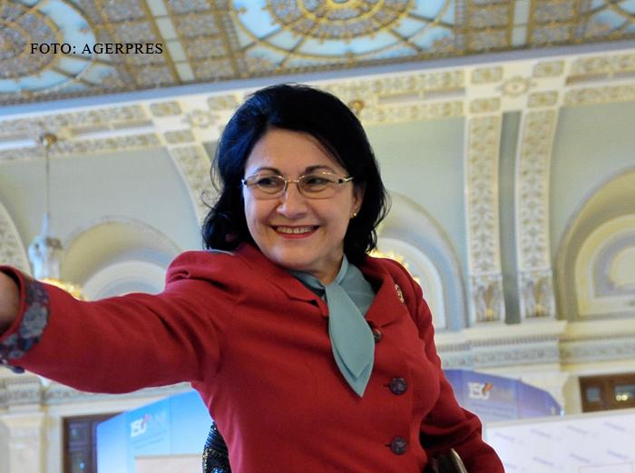 Plangere penala in cazul proiectului de lege modificat de Ecaterina Andronescu. Semnatura unui senator PNL, falsificata