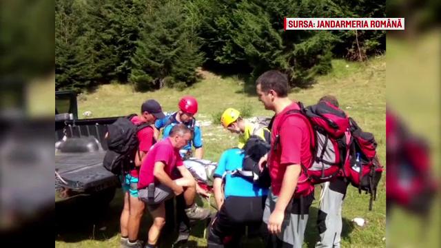 Un barbat a cazut in gol de pe o stanca de 70 de metri in masivul Piatra Craiului. Acesta incerca sa-si faca o fotografie