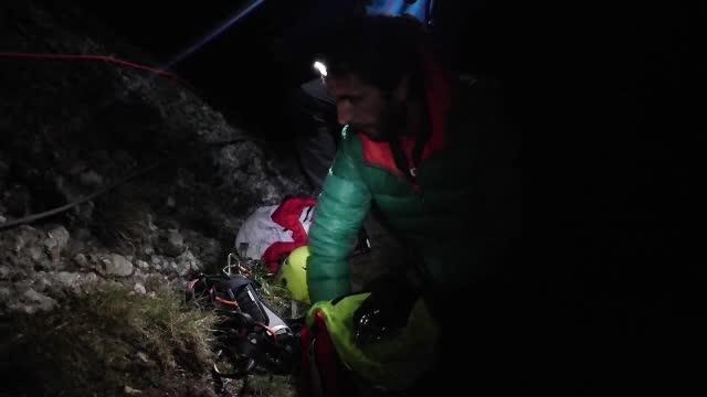 Operatiune de salvare dificila in Bucegi. Un barbat care a ramas extenuat dupa un traseu a cerut ajutor la Salvamont