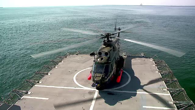 Pregatiri pentru Ziua Marinei, in Constanta. Un elicopter Puma va lansa o torpila antisubmarin in timpul demonstratiilor