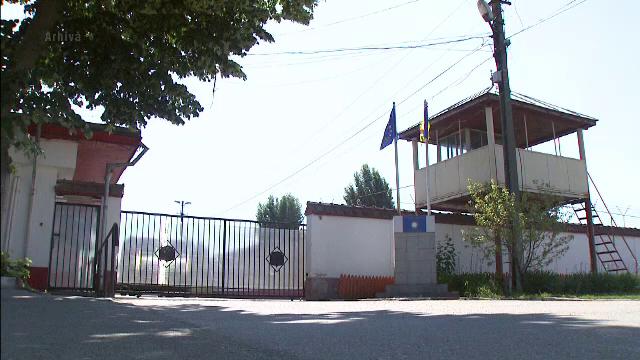 Un detinut de la penitenciarul Jilava a incendiat salonul in care era internat. Pentru ce se afla barbatul in inchisoare
