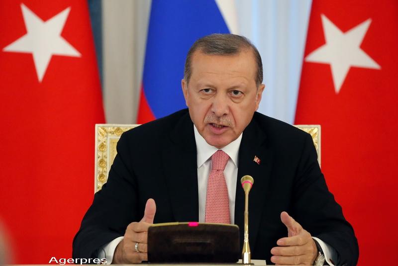 Erdogan acuza Occidentul ca sprijina gruparile teroriste, inclusiv Statul Islamic: