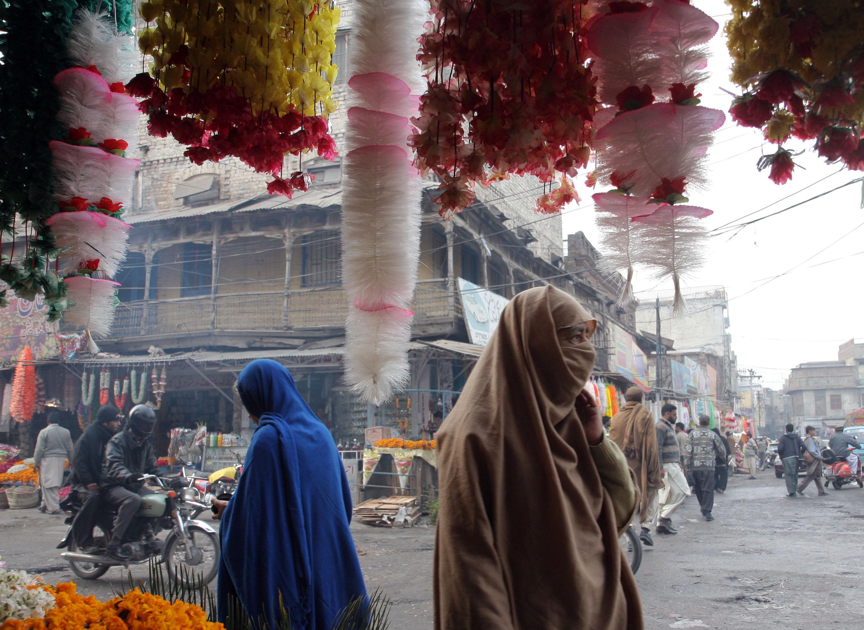 Un pakistanez a injunghiat 17 femei ca sa se razbune pe mama lui vitrega. Marturisirea tulburatoare facuta politistilor