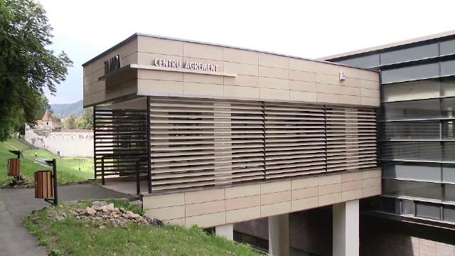 Birocratia a inchis doua baze sportive moderne la Brasov. Ce planuri au pentru ele autoritatile, daca nu pot fi inchiriate