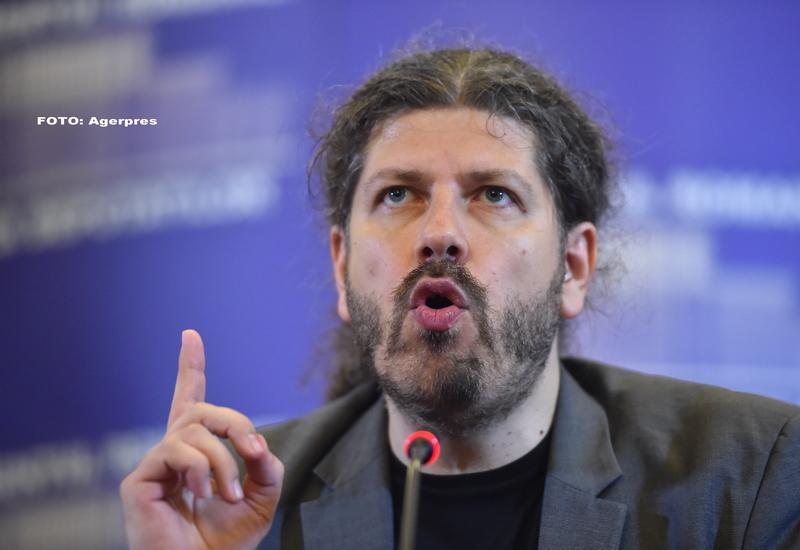 Remus Cernea il da in judecata pe Gigi Becali, pentru 50.000 de euro. Ce i-a facut patronul Stelei