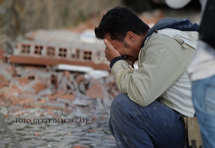 Oameni morti printre daramaturi si case distruse in totalitate. FOTO si VIDEO din Italia, din zonele afectate de seism