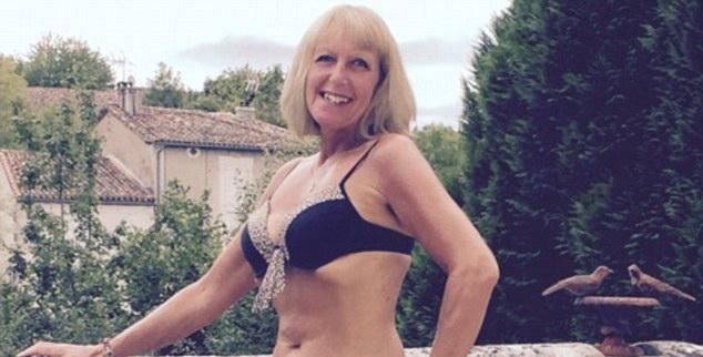 Cum arata femeia care sustine ca a fost fortata sa se mute pentru ca vecinele nu suportau sa o vada topless.