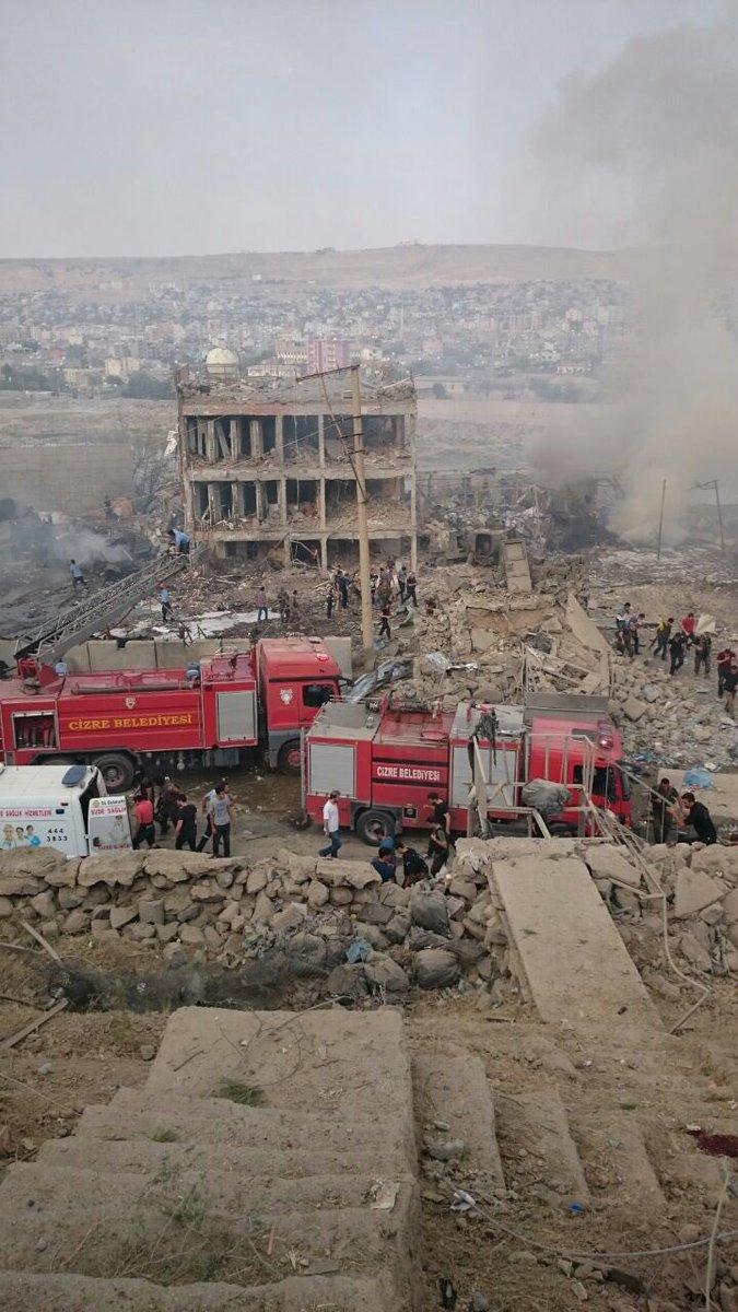 Patru persoane ranite intr-o explozie, care s-a produs in timpul repararii unui tanc al politiei din Diyarbakir, in Turcia