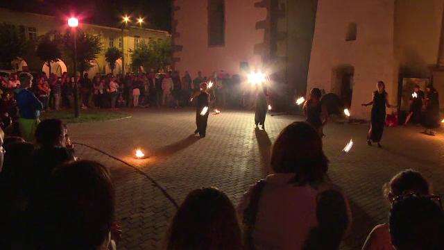 Noapte alba la Biserica Evanghelica din Bistrita. Spectacolul la care au asistat sute de vizitatori