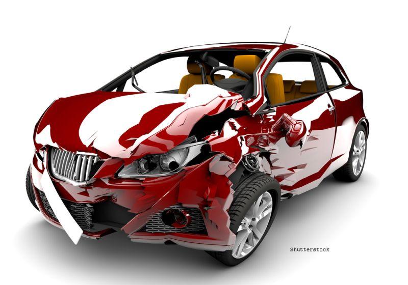 A distrus un Audi de 10.000 de lire cu buldozerul. Ce l-a determinat pe un tata sa recurga la acest gest. VIDEO
