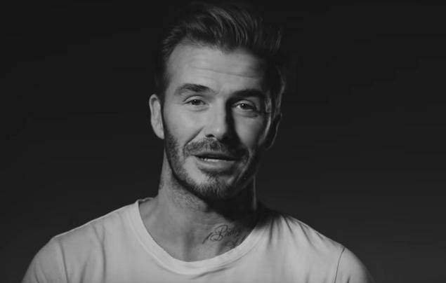 David Beckham isi etaleaza tatuajele in cel mai nou spot publicitar, la o crema de fata. Ce a spus despre desenele sale