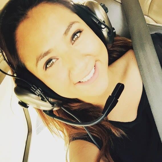 Povestea unei femei afgane care a ales să devină aviator