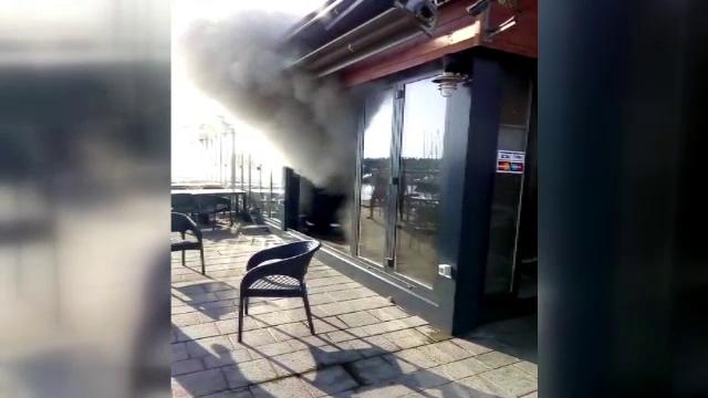 Panică în Portul Turistic Tomis, unde o terasă a luat foc