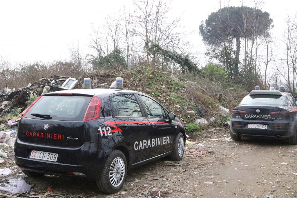 Doi români prinși la furat în Italia au sunat la carabinieri rugându-se să fie arestați