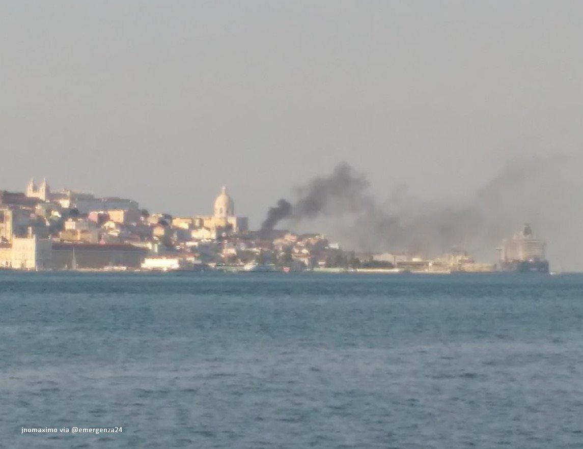 Explozie cu cinci răniţi, într-o zonă turistică din Lisabona