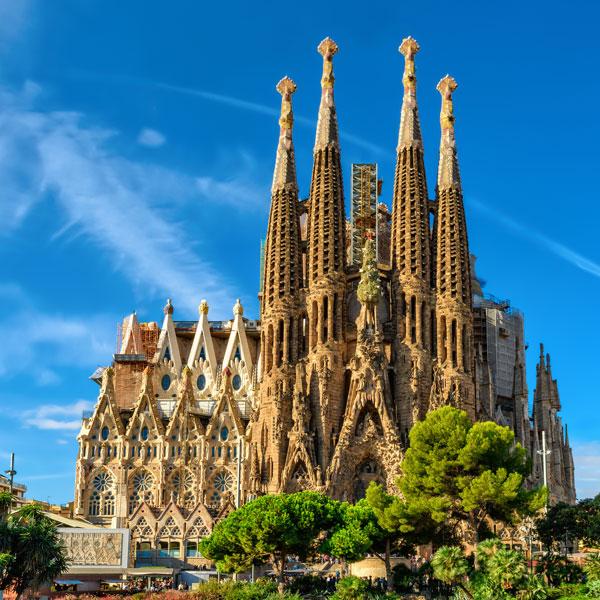 Teroriştii de la Barcelona ar mai fi vizat Sagrada Familia şi portul turistic