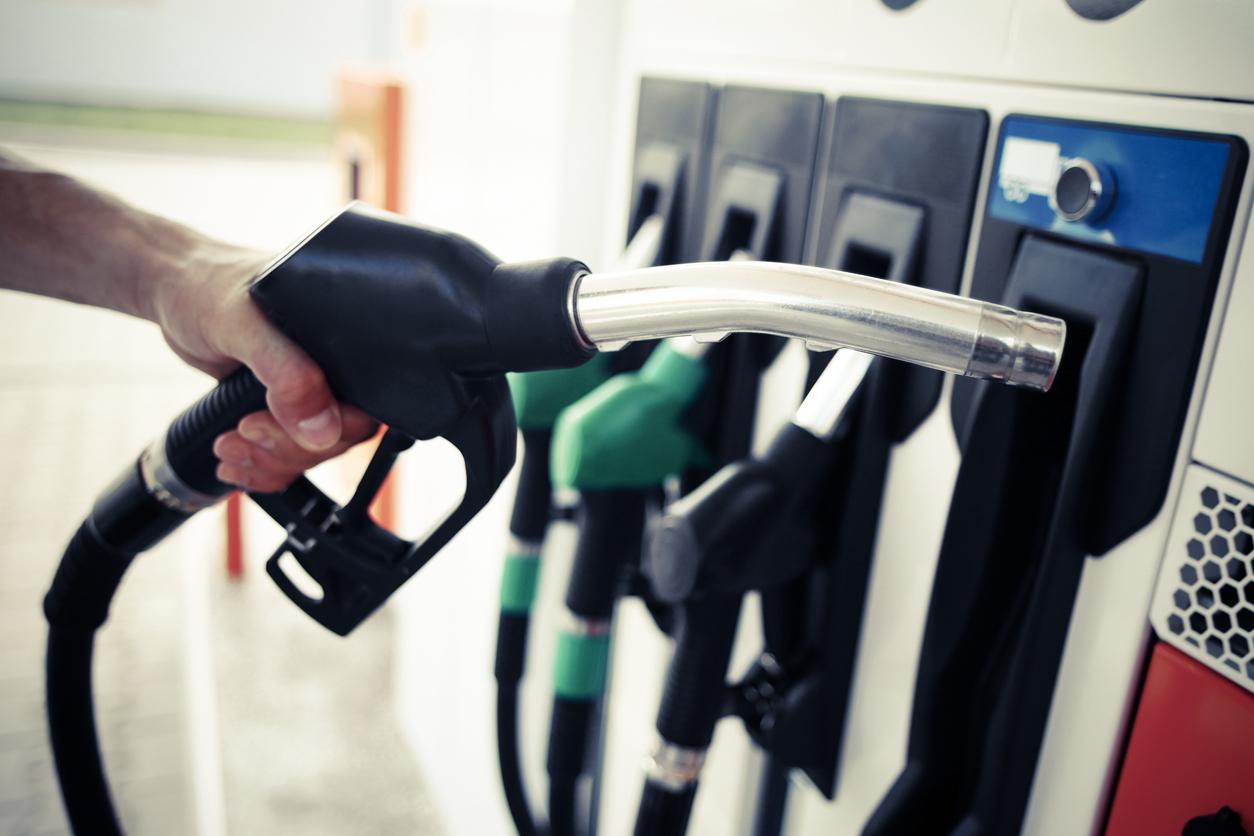 Analiză: Benzina şi motorina s-au ieftinit cu 6-9 bani pe litru pe parcursul lunii august 2020
