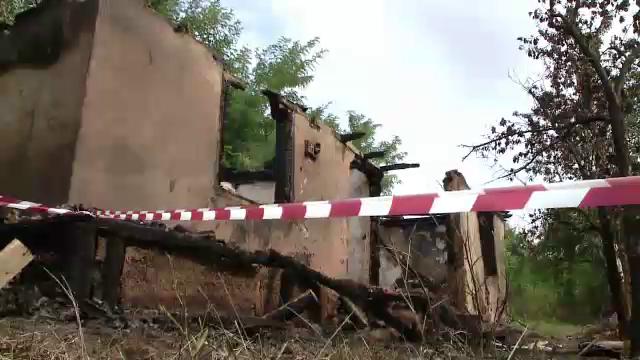 Femeie din Iași moartă în incendiul care i-a ars casa. Trupul ei, găsit lângă ușă