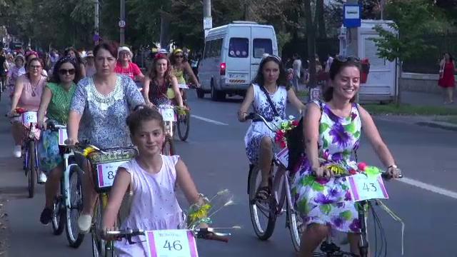 300 de femei au ieșit cu biciclete pe stradă, la Galați. Scopul manifestării